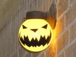 lamp-globe-jack-o-lantern-dusk-on-with-flash