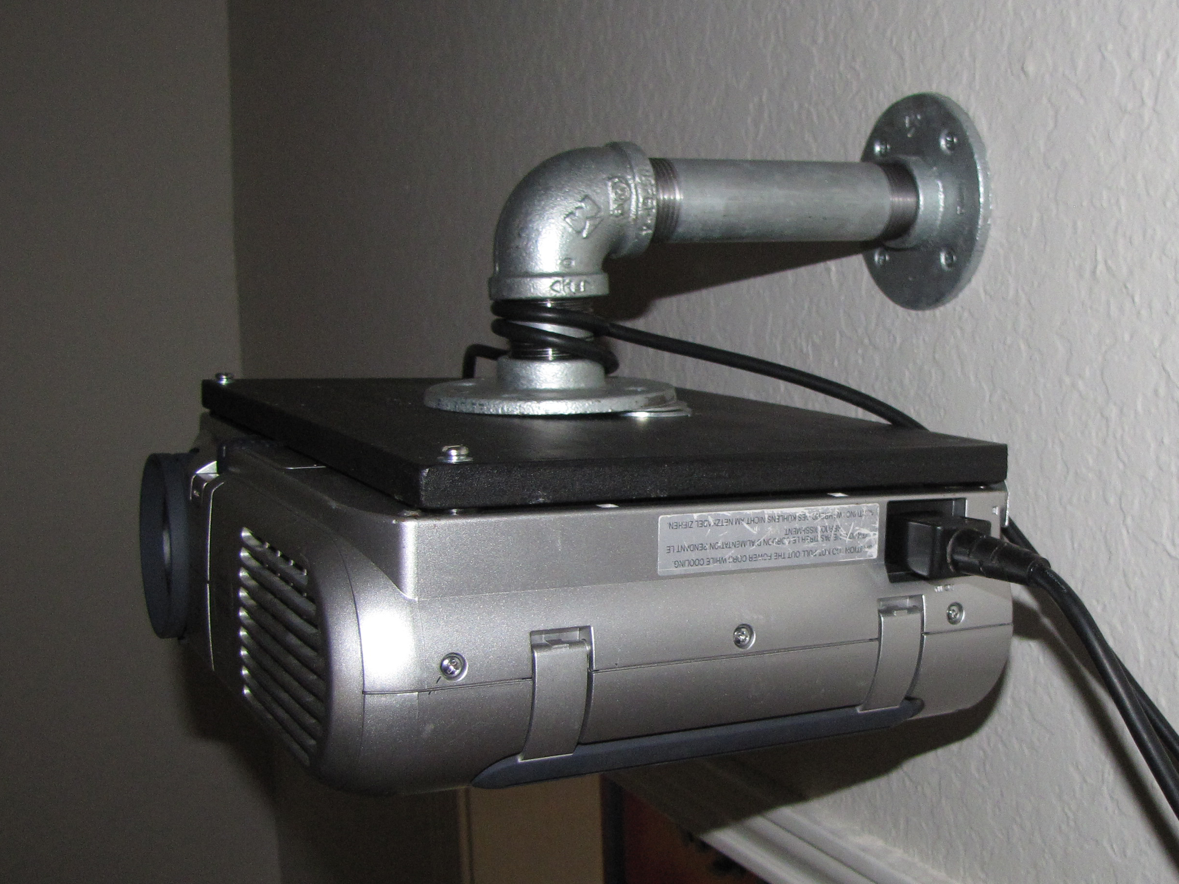 Homemade Toshiba Tlp 671 Video Projector Wall Mount